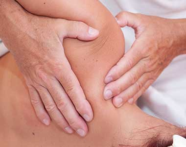 Massage mit Gelenksmobilisation
